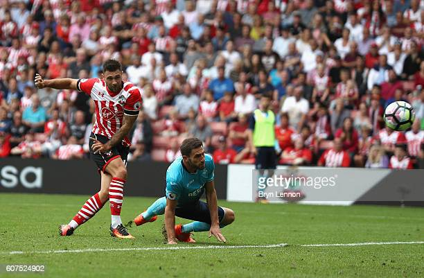 Charlie Austin of Southampton scores his sides first goal during the Premier League match between Southampton and Swansea City at St Mary's Stadium...