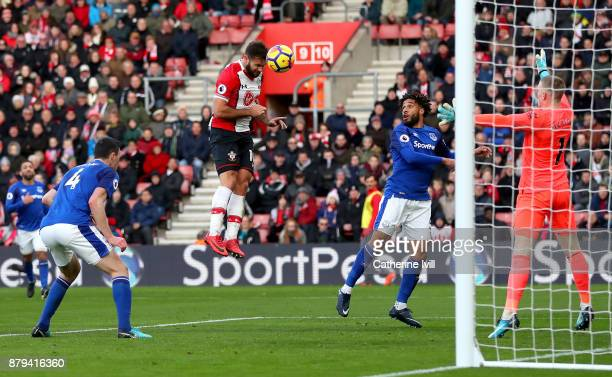 Charlie Austin of Southampton scores the 3rd Southampton goal during the Premier League match between Southampton and Everton at St Mary's Stadium on...