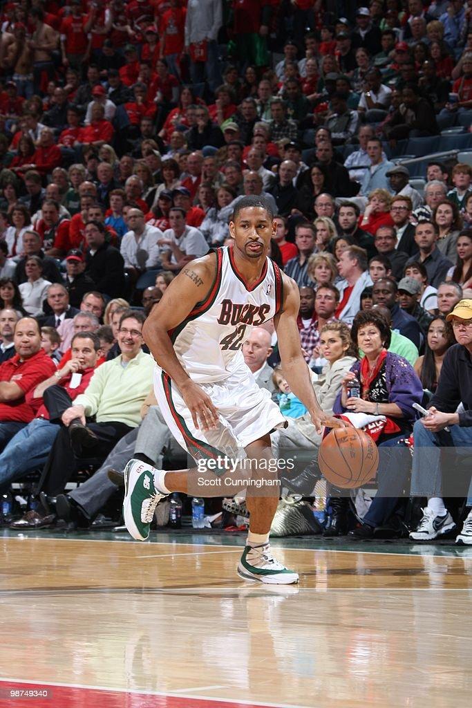 Atlanta Hawks v Milwaukee Bucks, Game 3