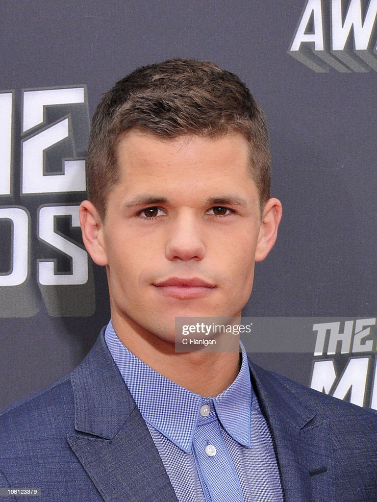Charlie Carver arrives at the 2013 MTV Movie Awards at Sony Pictures Studios on April 14, 2013 in Culver City, California.