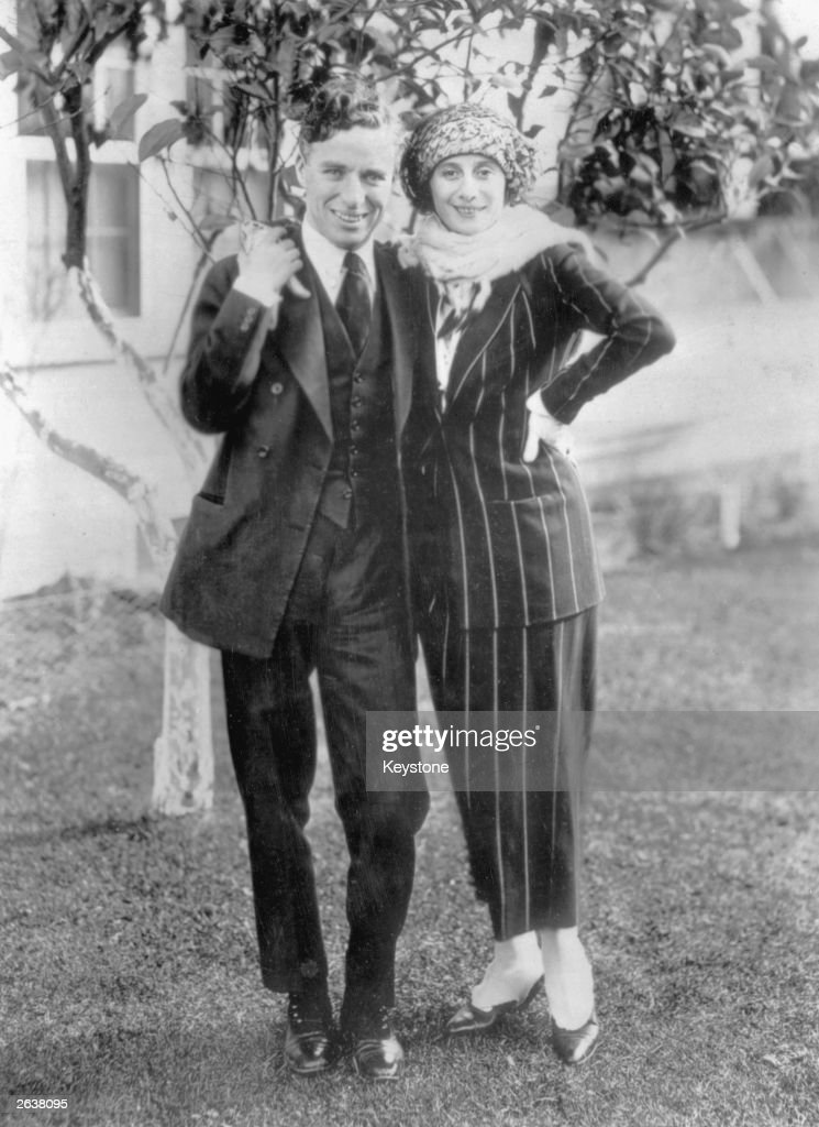 <a gi-track='captionPersonalityLinkClicked' href=/galleries/search?phrase=Charlie+Chaplin&family=editorial&specificpeople=70006 ng-click='$event.stopPropagation()'>Charlie Chaplin</a> (Sir Charles Spencer Chaplin, 1889 - 1977), English film actor and director in Hollywood with Russian ballerina <a gi-track='captionPersonalityLinkClicked' href=/galleries/search?phrase=Anna+Pavlova+-+Ballet+Dancer&family=editorial&specificpeople=12866185 ng-click='$event.stopPropagation()'>Anna Pavlova</a> (1885 - 1931). Original Publication: People Disc - HW0509