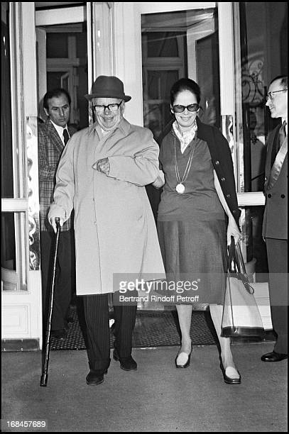Charlie Chaplin With Wife Oona A Paris In 1975