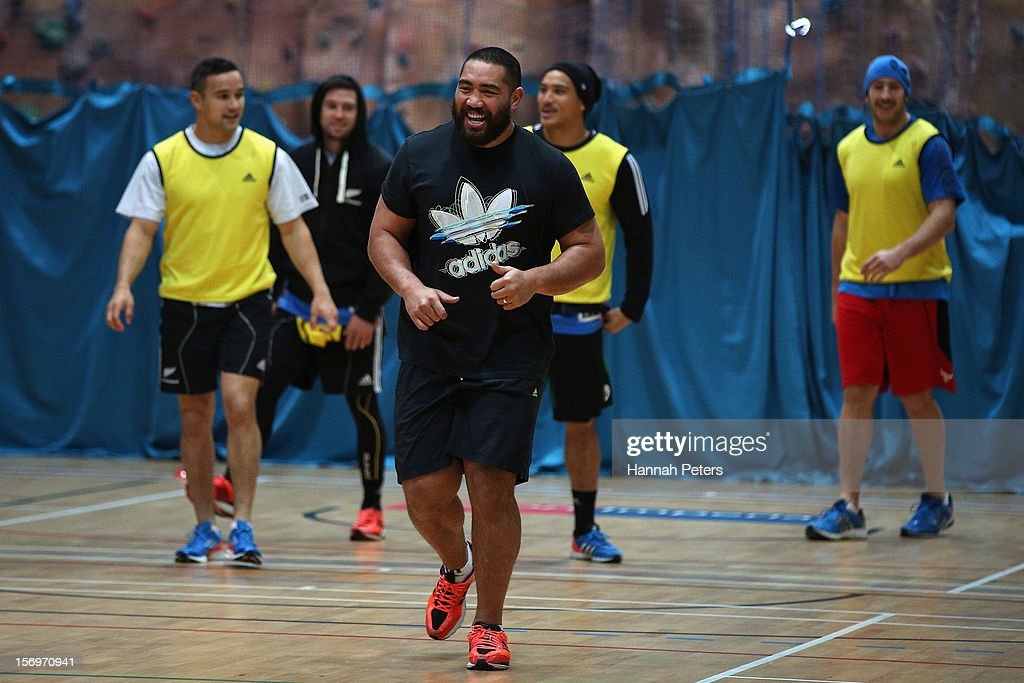 Charlie Faumuina of the All Blacks takes part in a recovery session at the Imperial College on November 26, 2012 in London, England.