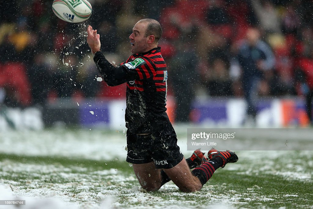 Charlie Hodgson of Saracens dives over to score the bonus point try during the Heineken Cup match between Saracens and Edinburgh Rugby at Vicarage Road on January 20, 2013 in Watford, England.