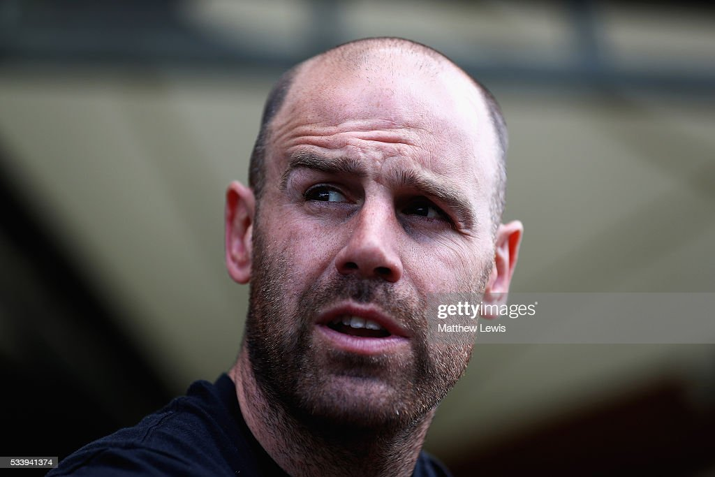 <a gi-track='captionPersonalityLinkClicked' href=/galleries/search?phrase=Charlie+Hodgson&family=editorial&specificpeople=202536 ng-click='$event.stopPropagation()'>Charlie Hodgson</a> of Saracens talks to media during a Saracens Training Session on May 24, 2016 in St Albans, England.