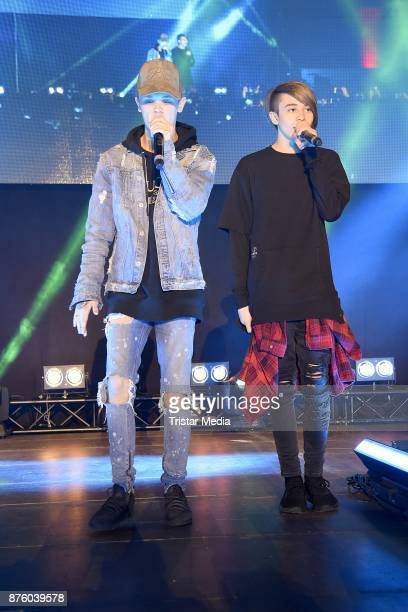 Charlie Lenehan and Leondre Devries of the duo Bars and Melody perform the Stylorama on November 18 2017 in Dortmund Germany