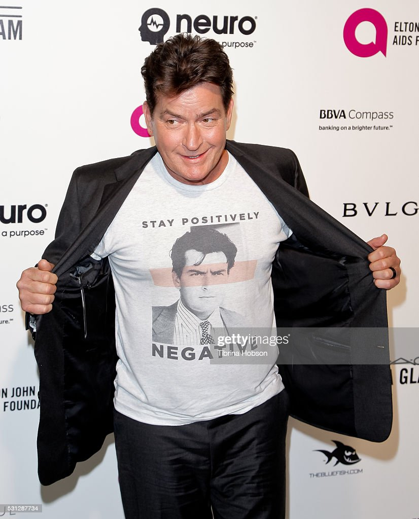 Charlie Sheen attends the 24th annual Elton John AIDS Foundation's Oscar Party on February 28, 2016 in West Hollywood, California.