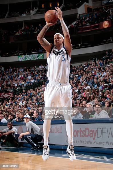 Charlie Villanueva of the Dallas Mavericks shoots against the Utah Jazz on February 11 2015 at the American Airlines Center in Dallas Texas NOTE TO...