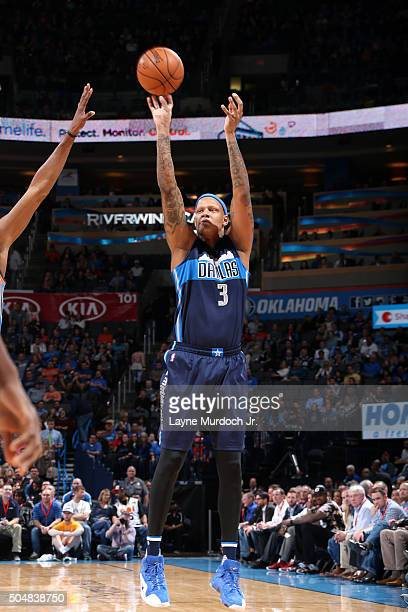 Charlie Villanueva of the Dallas Mavericks shoots the ball during the game against the Oklahoma City Thunder on January 13 2016 at the Chesapeake...