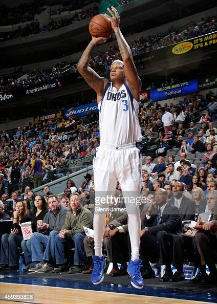 Charlie Villanueva of the Dallas Mavericks takes a shot against the Los Angeles Lakers during the game on November 21 2014 at the American Airlines...