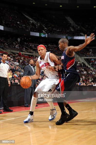 Charlie Villanueva of the Detroit Pistons drives the ball against the Atlanta Hawks during the game at the Palace of Auburn Hills on April 7 2010 in...