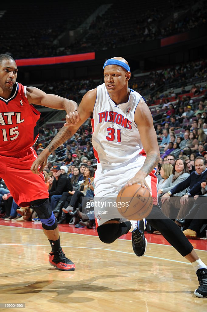 Charlie Villanueva #31 of the Detroit Pistons drives to the basket against Al Horford #15 of the Atlanta Hawks on January 4, 2013 at The Palace of Auburn Hills in Auburn Hills, Michigan.