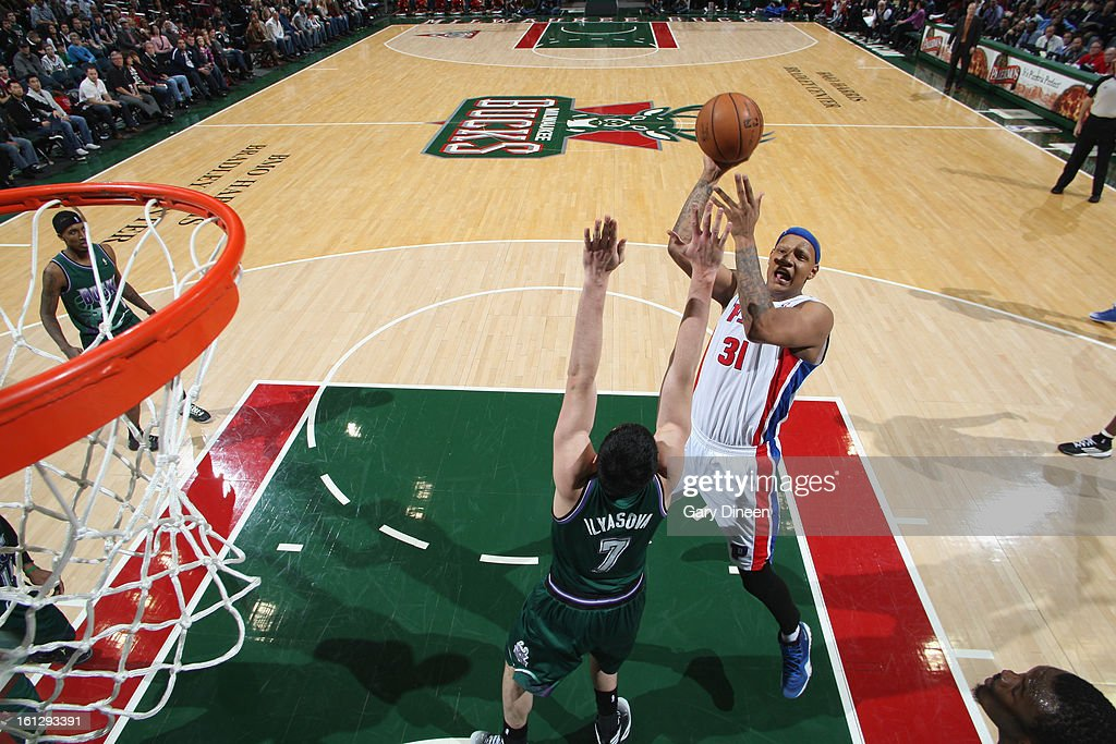 Charlie Villanueva #31 of the Detroit Pistons shoots against Ersan Ilyasova #7 of the Milwaukee Bucks on February 9, 2013 at the BMO Harris Bradley Center in Milwaukee, Wisconsin.
