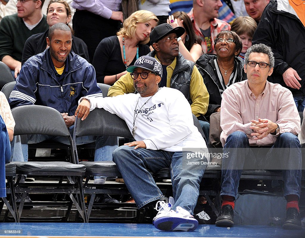 Celebrities Attend Philadelphia 76ers Vs New York Knicks - March 19, 2010