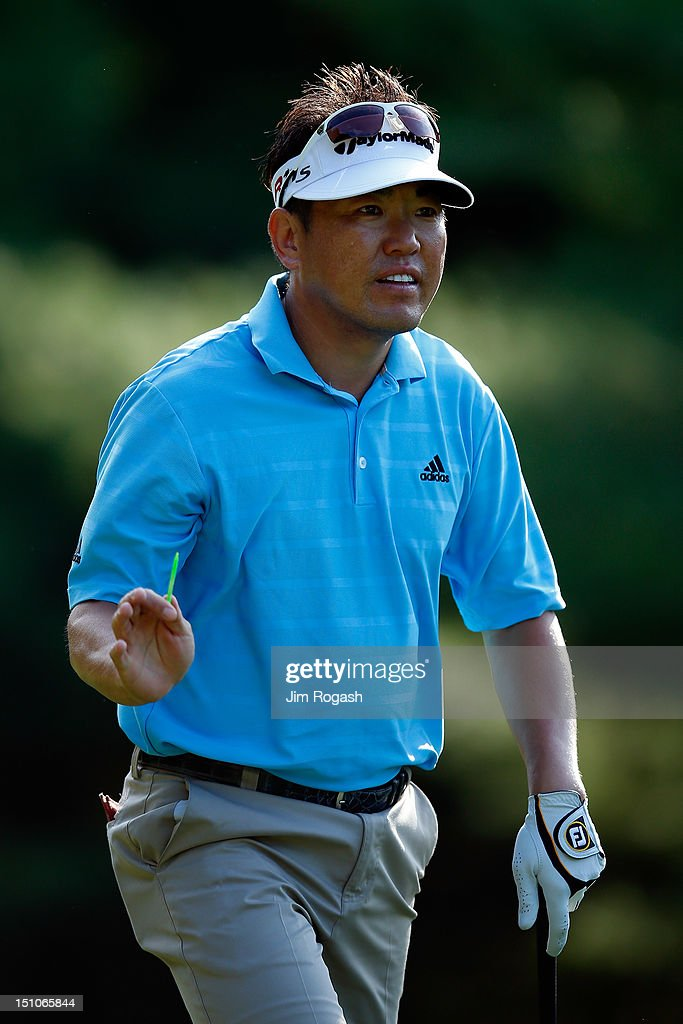 <a gi-track='captionPersonalityLinkClicked' href=/galleries/search?phrase=Charlie+Wi&family=editorial&specificpeople=678470 ng-click='$event.stopPropagation()'>Charlie Wi</a> reacts after he tees off on the 11th hole during the first round of the Deutsche Bank Championship at TPC Boston on August 31, 2012 in Norton, Massachusetts.