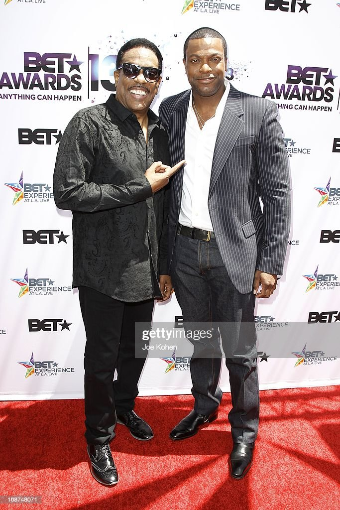 Charlie Wilson (L) and <a gi-track='captionPersonalityLinkClicked' href=/galleries/search?phrase=Chris+Tucker&family=editorial&specificpeople=203254 ng-click='$event.stopPropagation()'>Chris Tucker</a> attend the BET Experience At L.A. Live Press Conference at Icon Ultra Lounge on May 14, 2013 in Los Angeles, California.