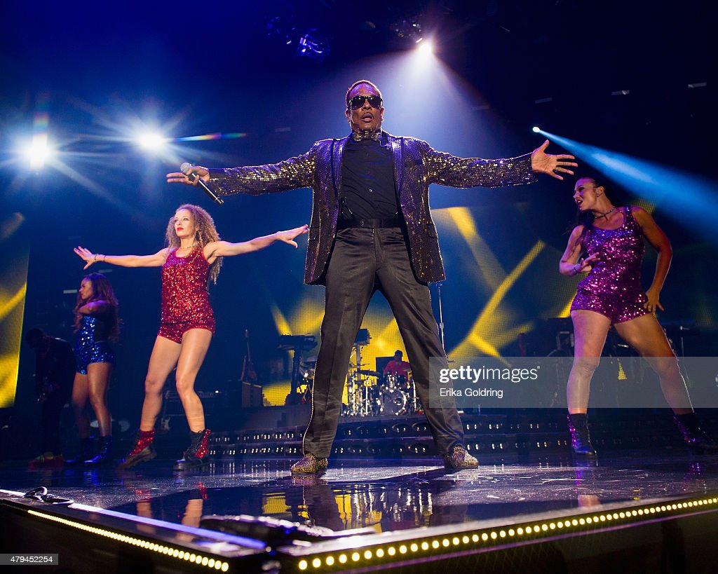 Charlie Wilson performs at the 2015 Essence Music Festival on July 3, 2015 in New Orleans, Louisiana.