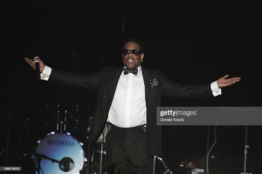 Charlie Wilson performs during Charlie Wilson's Mother's Day Fest at Atlantic City Boardwalk Hall on May 11, 2013 in Atlantic City, New Jersey.