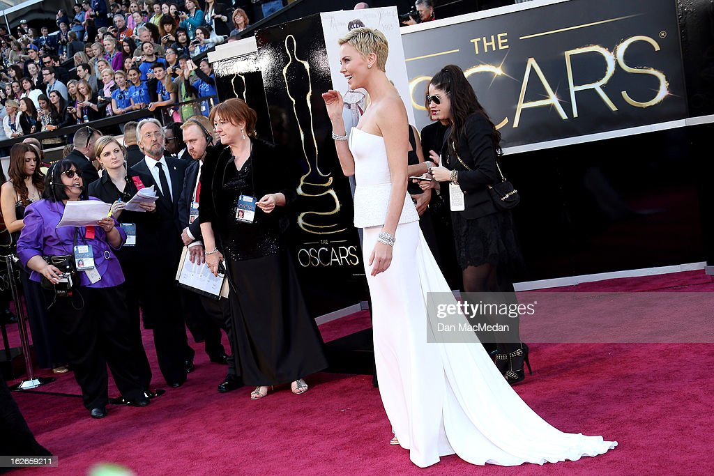 Charlize Theron arrives at the 85th Annual Academy Awards at Hollywood & Highland Center on February 24, 2013 in Hollywood, California.