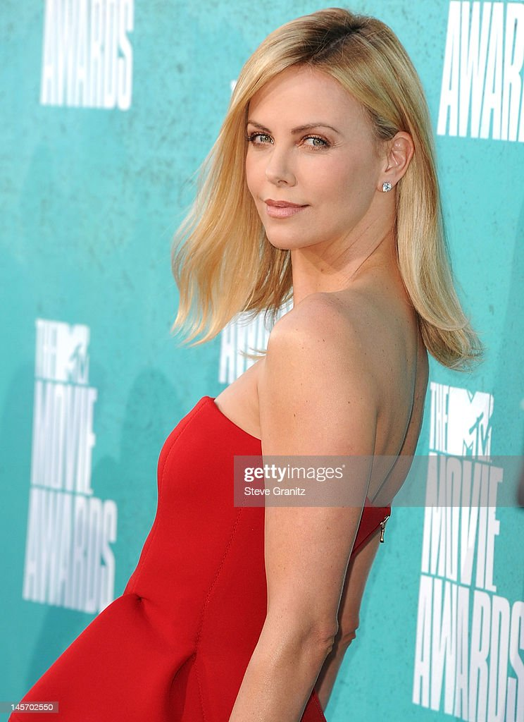 Charlize Theron attends 2012 MTV Movie Awards at Gibson Amphitheatre on June 3, 2012 in Universal City, California.