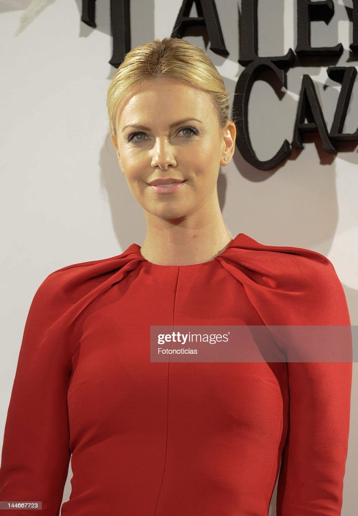 Charlize Theron attends a photocall for 'Snow White and the Huntsman' at Casa de America on May 17 2012 in Madrid Spain