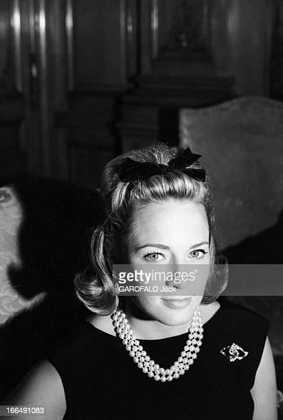 Charlotte And Anne Ford Paris 17 Juillet 1962 Les petites filles d'Henry FORD industriel et fondateur du constructeur automobile FORD en intérieur...