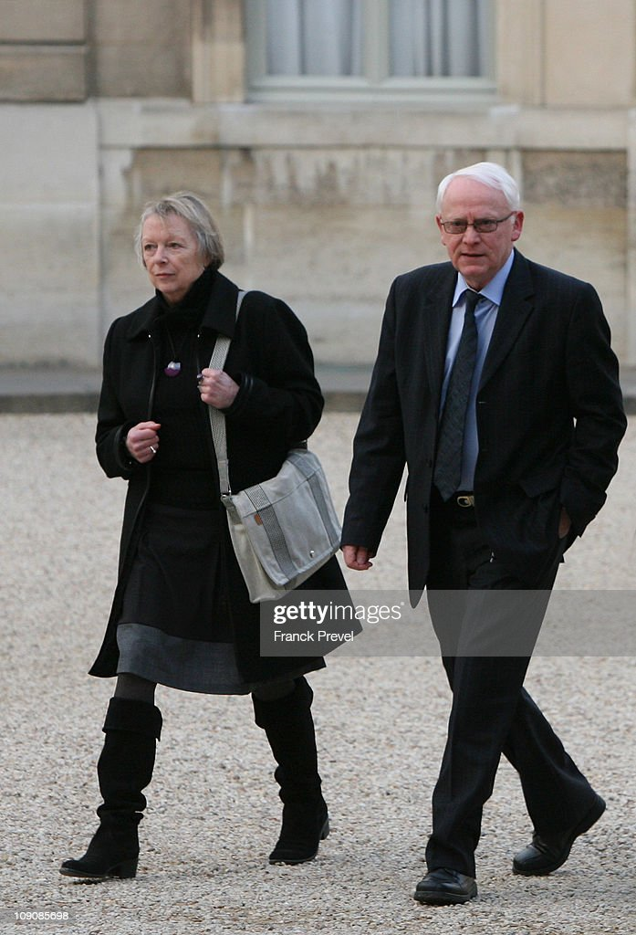 Charlotte Cassez her husband Bernard arrive to meet with France's President Nicolas Sarkozy at Elysee Palace on February 14 2011 in Paris France The...