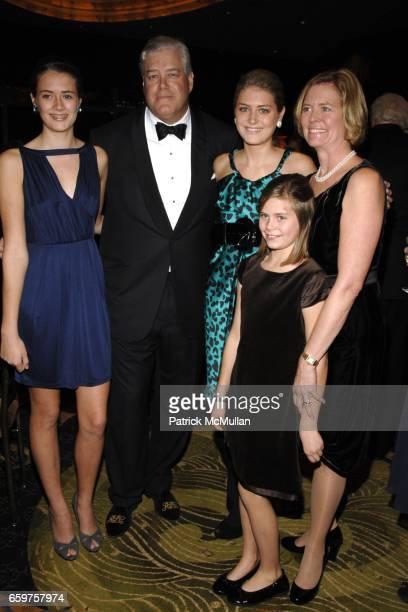 Charlotte Chilton Richard Chilton Sarah Chilton Hope Chilton and Maureen Chilton attend THE NEW YORK BOTANICAL GARDEN Hosts a Festive Dinner in Honor...