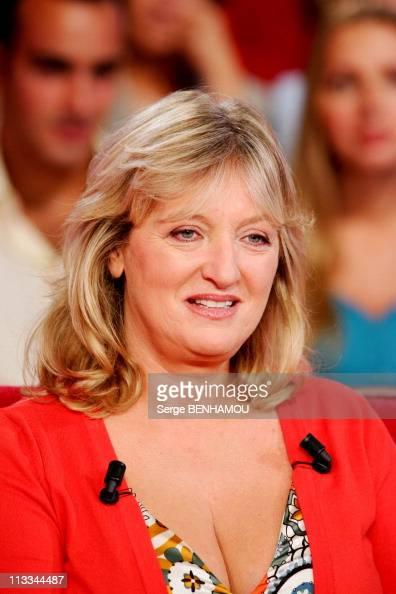 Charlotte de turckheim on vivement dimanche tv show on august 30th 2006 in paris france - Fille de charlotte de turckheim ...