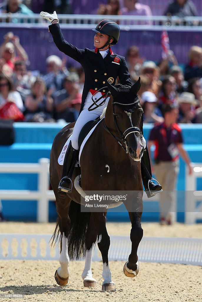 Charlotte dujardin of great britain riding valegro for Charlotte dujardin