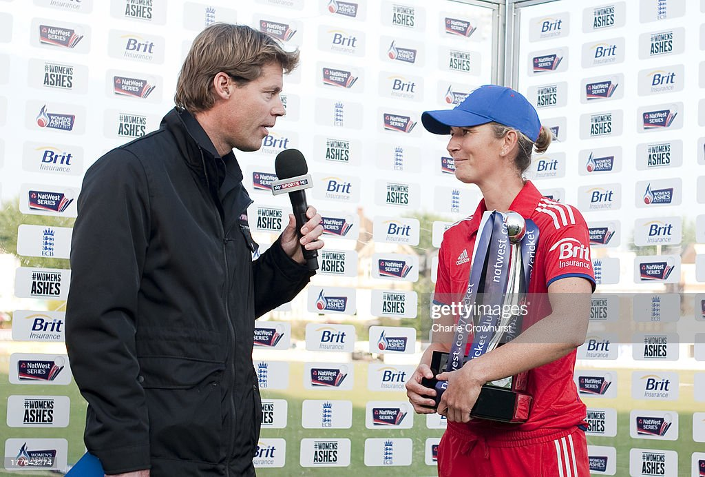 <a gi-track='captionPersonalityLinkClicked' href=/galleries/search?phrase=Charlotte+Edwards&family=editorial&specificpeople=618915 ng-click='$event.stopPropagation()'>Charlotte Edwards</a> of England holds the ODI series trophy after England beat Australia during the England Women and Australia Women Ashes Series - 3rd NatWest ODI at The BrightonandHoveJobs.com County Ground on August 25, 2013 in Hove, England.