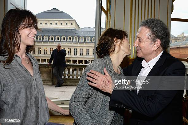 Charlotte Gainsbourg Jane Birkin and Michel Drucker attend the Honour Ceremony hosted by the French Ministry of Cultural Affairs at Ministere de la...