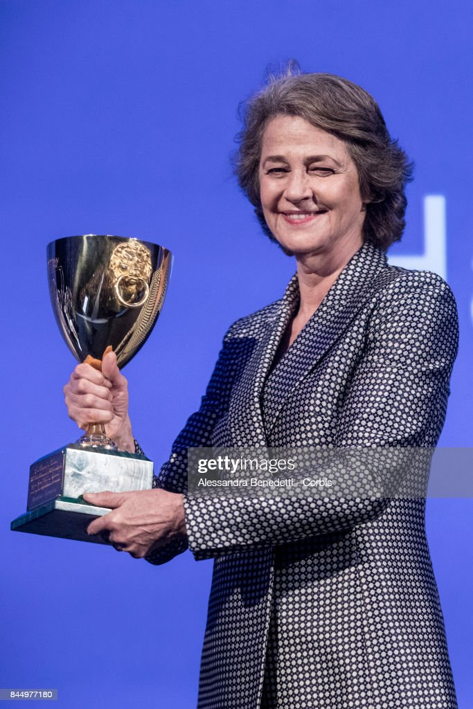 COPPA VOLPI for Best Actress: Charlotte Rampling in the film HANNAH എന്നതിനുള്ള ചിത്രം