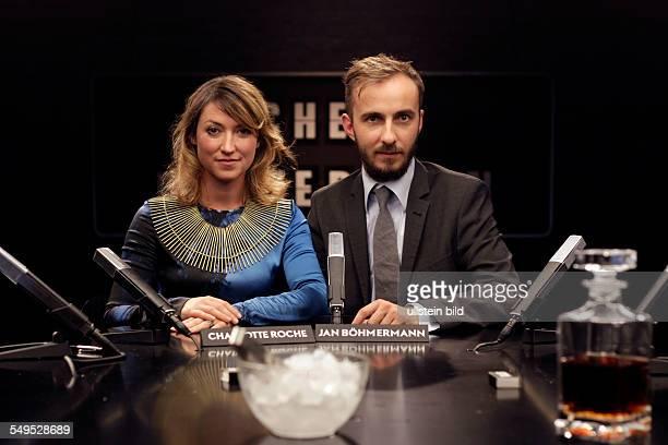 Charlotte Roche und Jan Böhmermann bei der ZDFTalkshow 'Roche und Böhmermann' in Köln