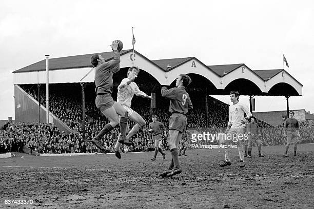 Charlton Athletic goalkeeper Charlie Wright collects a cross