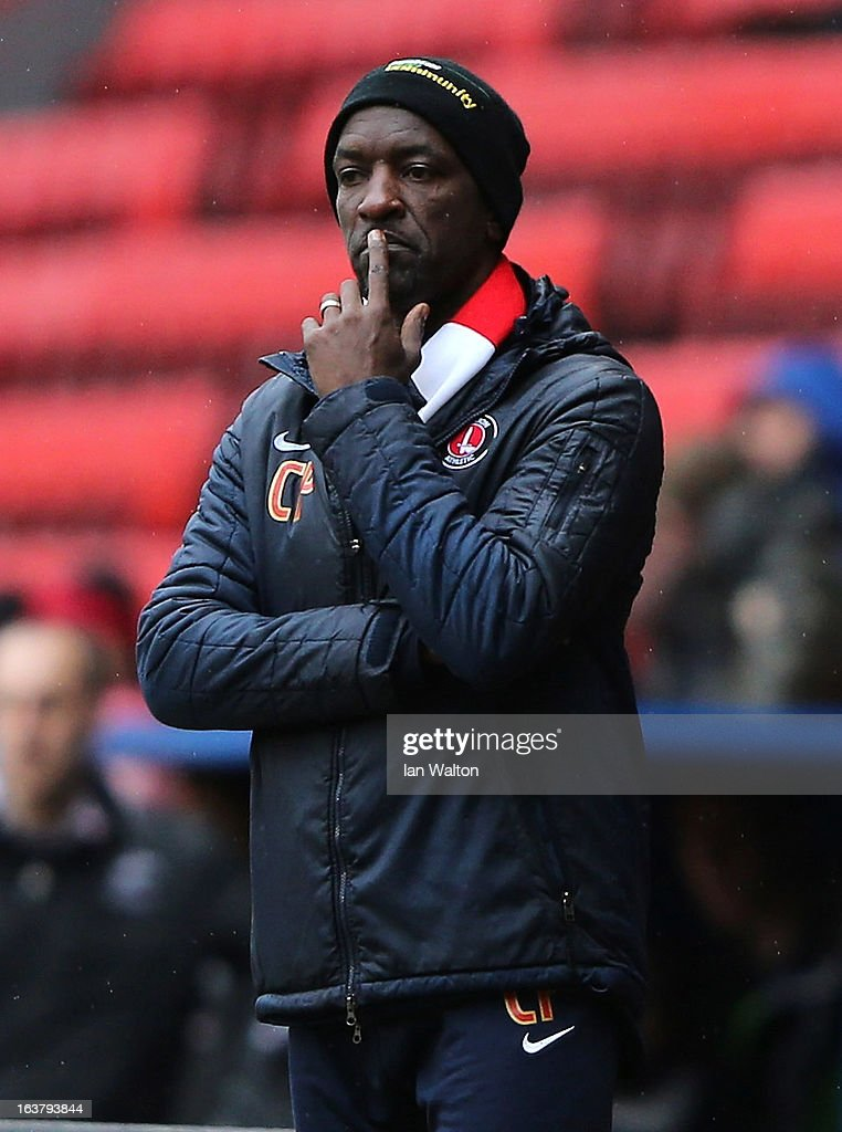 Charlton Athletic manager <a gi-track='captionPersonalityLinkClicked' href=/galleries/search?phrase=Chris+Powell+-+Jugador+y+entrenador+de+f%C3%BAtbol&family=editorial&specificpeople=13623254 ng-click='$event.stopPropagation()'>Chris Powell</a> looks on during the npower Championship match between Charlton Athletic and Millwall at The Valley on March 16, 2013 in London, England.