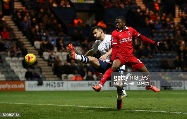 Charlton Athletic's Ademola Lookman battles for the ball with Preston North End's Bailey Wright