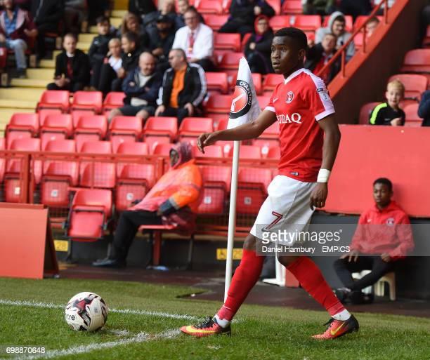 Charlton Athletic's Ademola Lookman prepares to take a corner