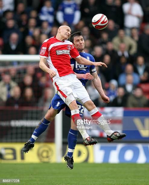 Charlton Athletic's Jonjo Shelvey and Birmingham City's Damien Johnson battle for the ball