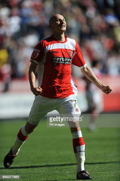 Charlton Athletic's Jonjo Shelvey celebrates scoring the second goal of the game