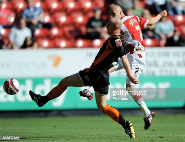 Charlton Athletic's Jonjo Shelvey scores their second goal of the game