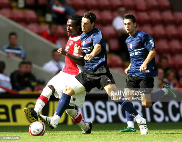 Charlton Athletic's Kelly Youga and Athletico Bilbao's Aritz Aduriz