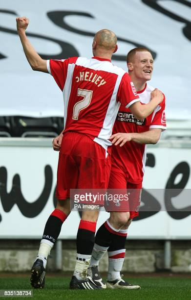 Charlton Athletic's Nick Bailey celebrates with team mate Jonjo Shelvey after scoring the equalising goal