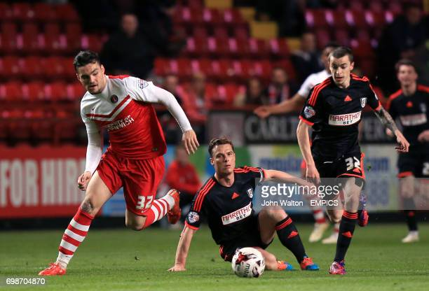 Charlton Athletic's Tony Watt gets away from Fulham's Scott Parker