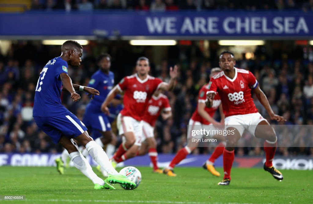 Charly Musonda of Chelsea scores his sides 3rd goal during the Carabao Cup Third Round match between Chelsea and Nottingham Forest at Stamford Bridge on September 19, 2017 in London, England.