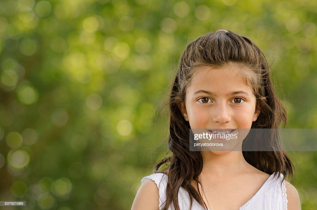 Charming little girl (8-9)