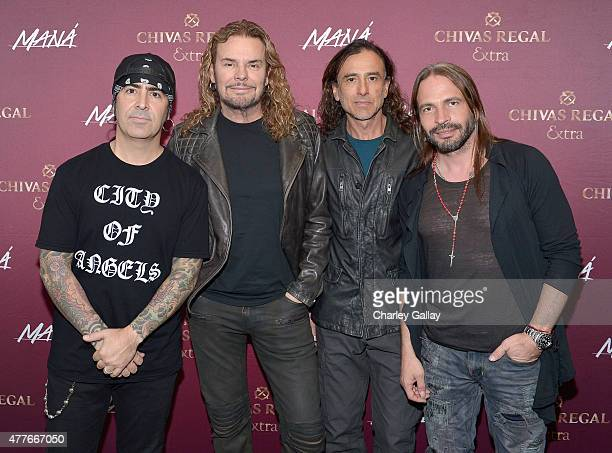 Charttopping band Mana Alex Gonzalez Fher Olvera Juan Calleros and Sergio Vallin enjoyed Chivas Regal Extra cocktails backstage before playing at the...