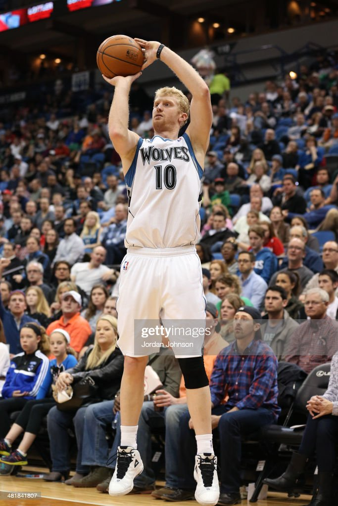 Chase Budinger #10 of the Minnesota Timberwolves shoots the ball against the Los Angeles Clippers on March 31, 2014 at Target Center in Minneapolis, Minnesota.