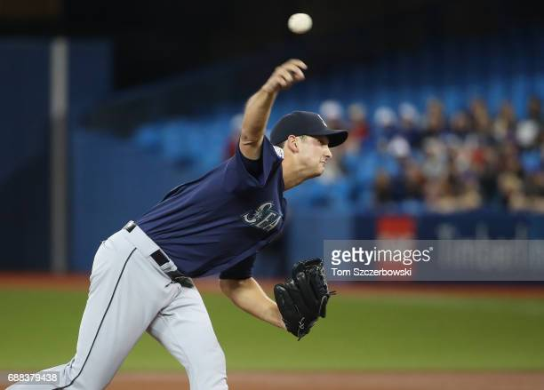 Chase De Jong of the Seattle Mariners delivers a pitch in the first inning during MLB game action against the Toronto Blue Jays at Rogers Centre on...