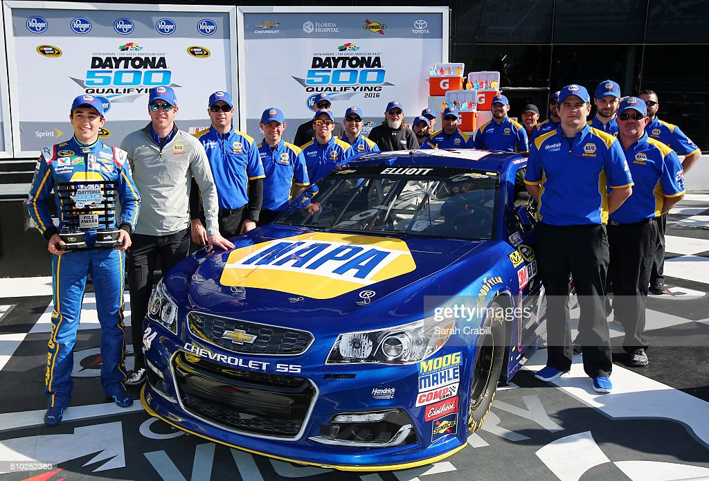 <a gi-track='captionPersonalityLinkClicked' href=/galleries/search?phrase=Chase+Elliott&family=editorial&specificpeople=3623017 ng-click='$event.stopPropagation()'>Chase Elliott</a>, driver of the #24 NAPA Auto Parts Chevrolet, and his crew members pose in Victory Lane after winning the pole award during qualifying for the NASCAR Sprint Cup Series Daytona 500 at Daytona International Speedway on February 14, 2016 in Daytona Beach, Florida.